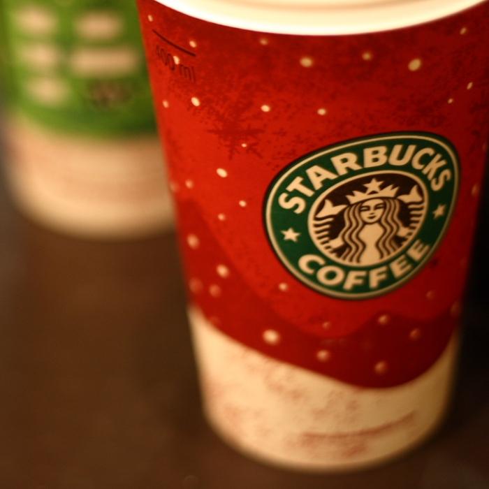Starbucks Rob Lowe