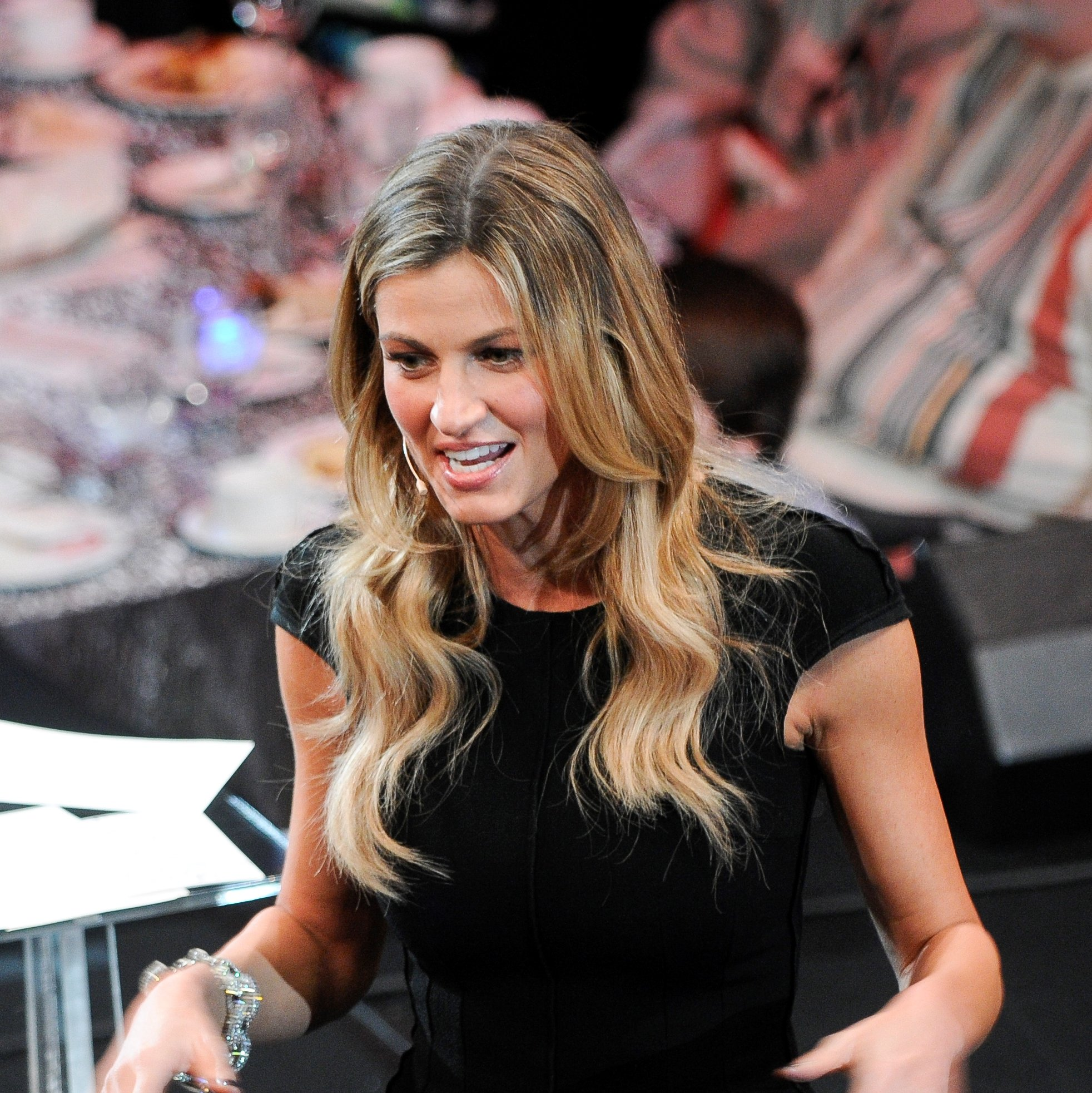 Erin Andrews Shows Off Serious Star Power in Hilarious ...