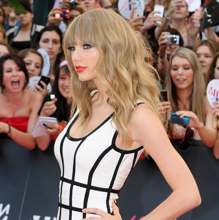 Taylor Swift Treats Her Entire Concert Crew to a Fancy Australian Vacation