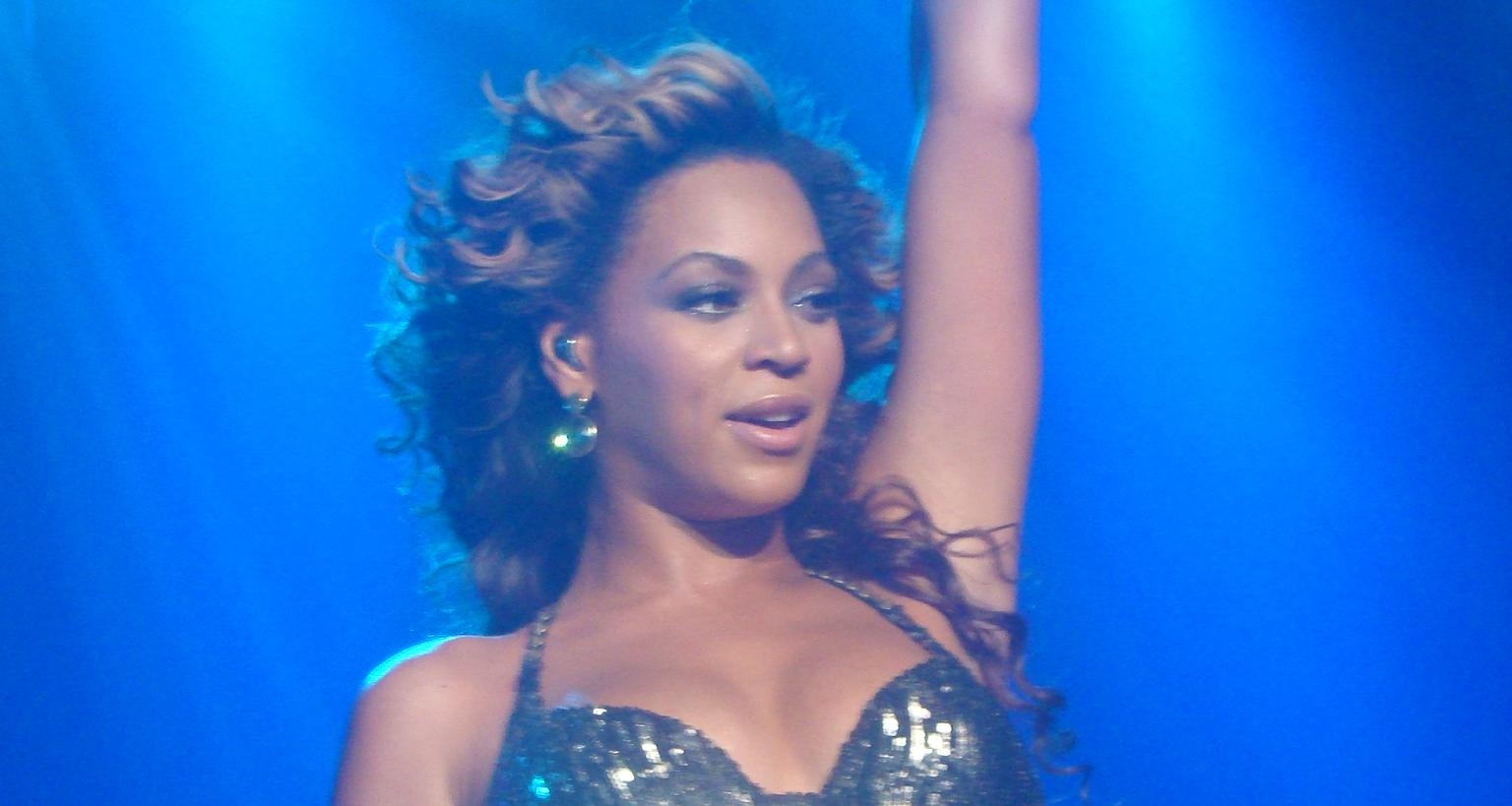 Beyonce Live at Roseland Ballroom in New York