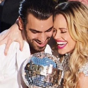 whos dating on dancing with the stars 2016 The dancing with the stars pros have dated so many hot celebrities over the  years find out which a-list stars your fave dwts dancers have.