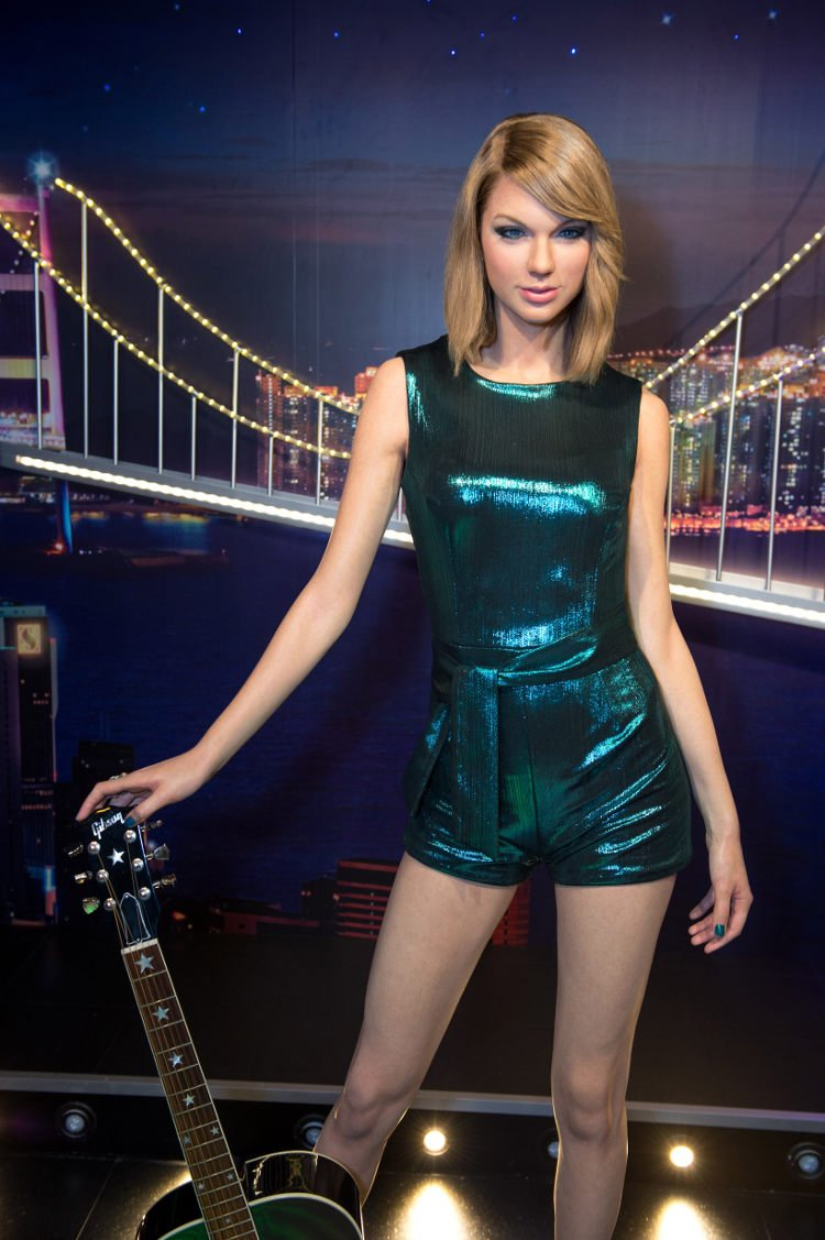 Http Www Earnthenecklace Com 10 Hottest Taylor Swift Pics Of All Time