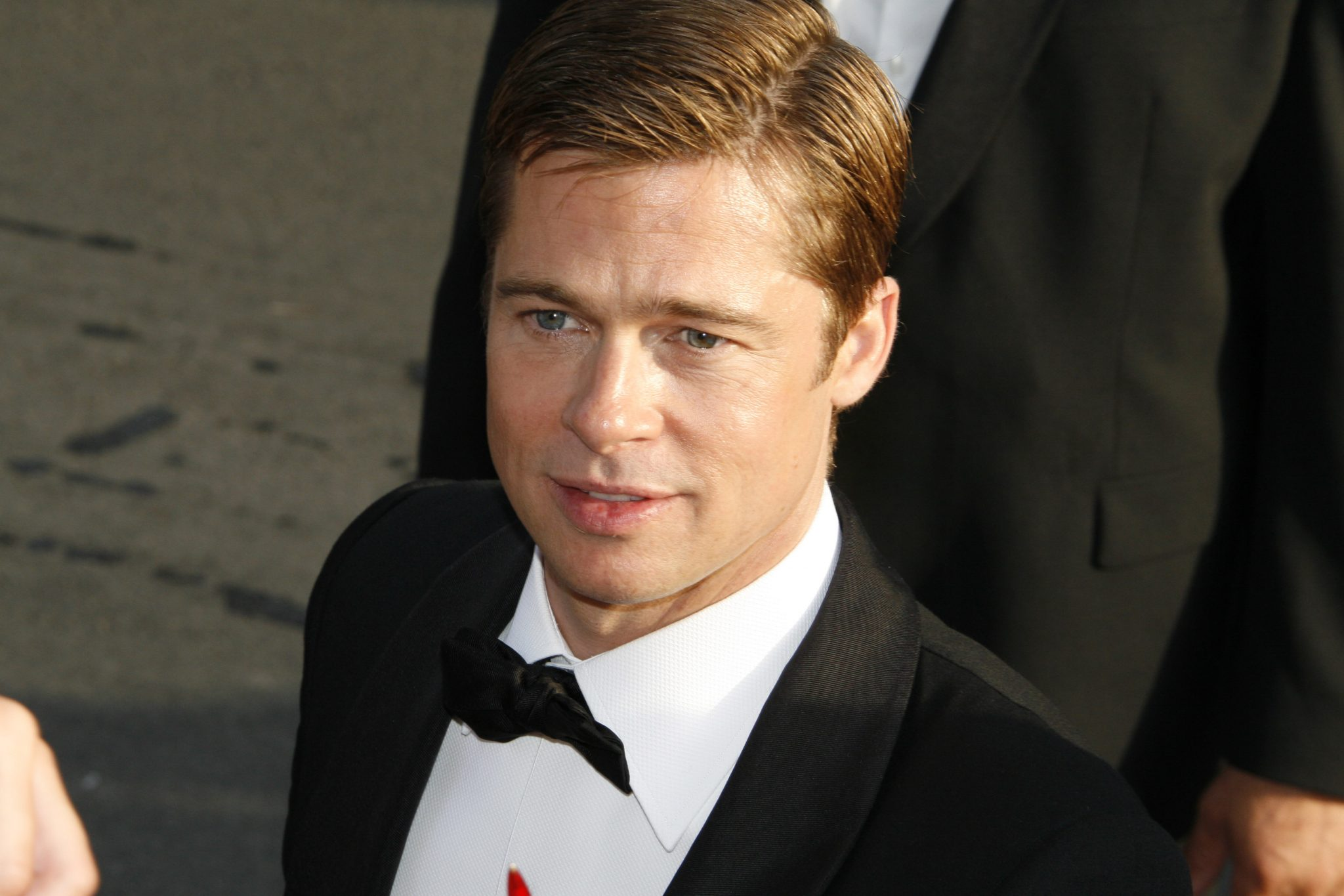 Is Brad Pitt Dead? NO! Brad Pitt Suicide Hoax Takes the ... Brad Pitt