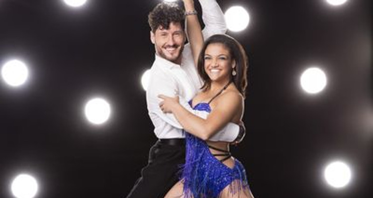 is val from dancing with the stars dating Maksim chmerkovskiy and his 'dancing with the stars' parter were rumored to be dating throughout the show after they won the mirror ball trophy in may, the rumors heated up more.