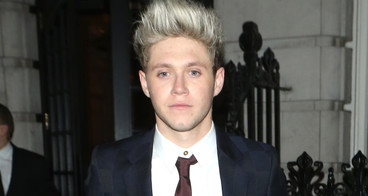 Listen to Ni... Niall Horan Latest News