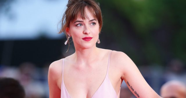 8 Hottest Dakota Johnson Pics