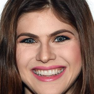 Hottest Alexandra Daddario Pictures