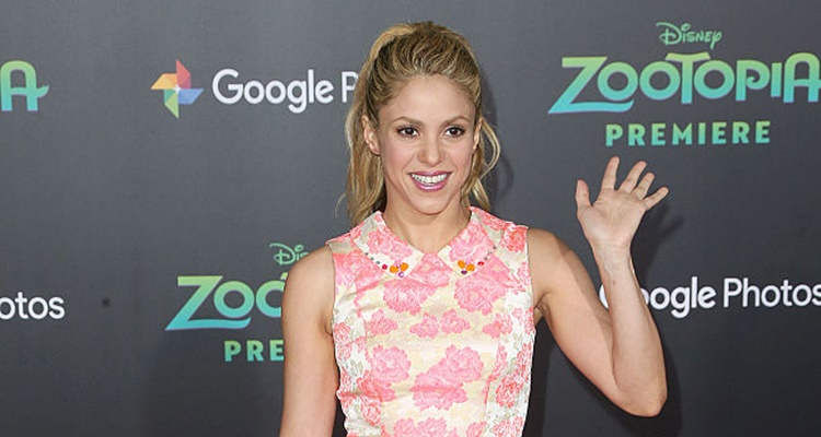 Shakira Releases New Single Song Chantaje