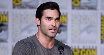 Tyler Hoechlin Everything You Need to Know About Supergirl Season 2 New Superman