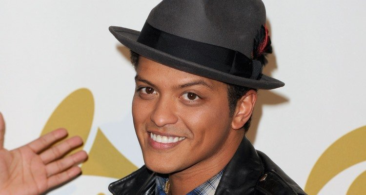 bruno dating Jessica caban born: jessica marie caban june 13, 1982  caban has been in a relationship with singer bruno mars since 2011 filmography film year film role notes.