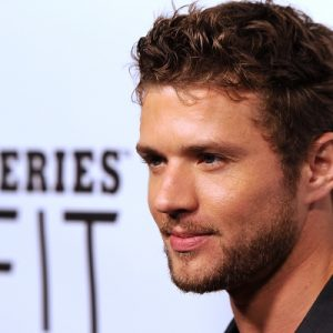 Ryan Phillippe Wiki: New Show, Girlfriend, Daughters, Net ...