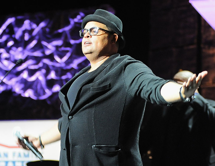 how many kids israel houghton have