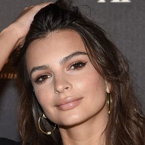 Emily Ratajkowski Too Hot