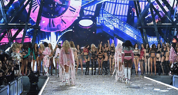 Victorias Secret 2016 Fashion Show