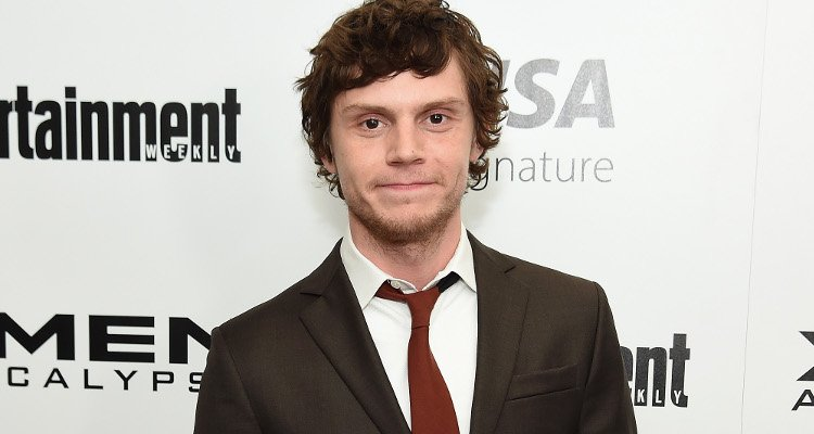 Who is Evan Peters Dating Now