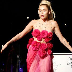 Miley Cyrus Hot Pics