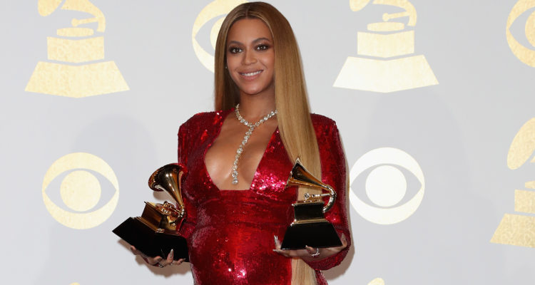 Most Memed Moments from Beyoncé Grammy 2017 Performance