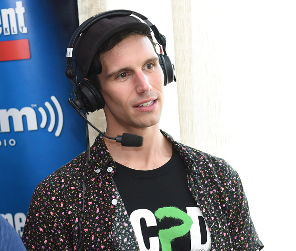 Cory Michael Smith Emilia boyfriend