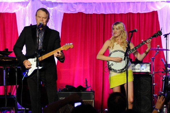 Glen Campbell performs with daughter, Ashley Campbell