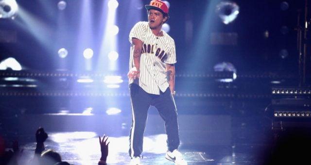 Bruno Mars BET Awards 2017 Performance