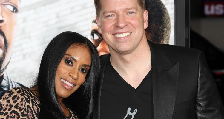 Gary Owen and his wife Kenya, Source: Earn the earn the necklace