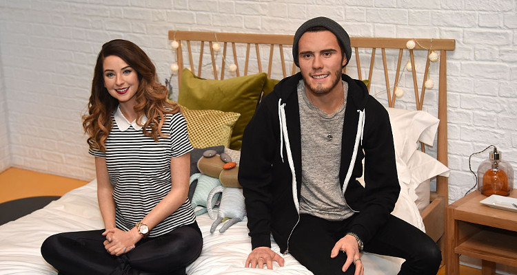 Though There Were Rumors Of Zoella And Alfie Deyes Breaking Up The Have Just Announced Their Move To A New House That Effectively Means They