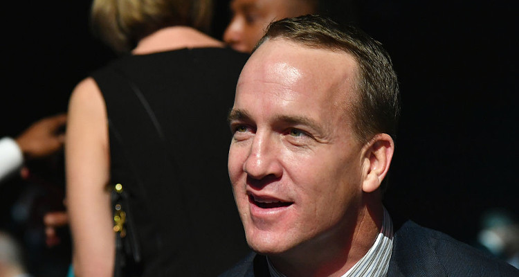 Peyton Manning: It would've been 'un-American' to decline Trump's golf invitation