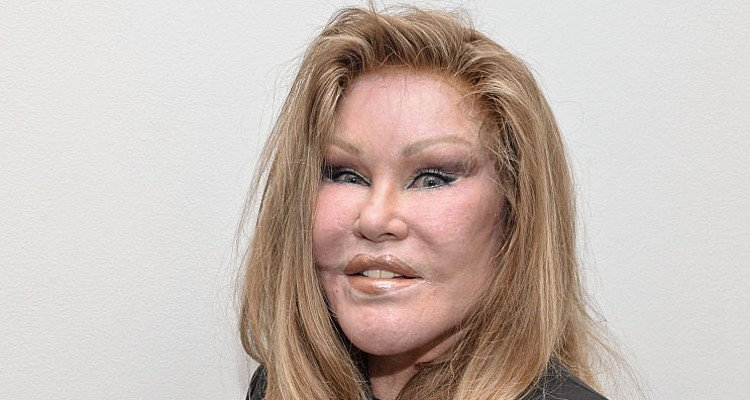 Jocelyn Wildenstein S Cat Necklace