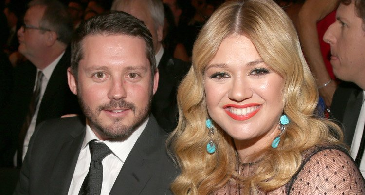 Brandon blackstock wiki facts to know about kelly for How many kids does kelly clarkson have