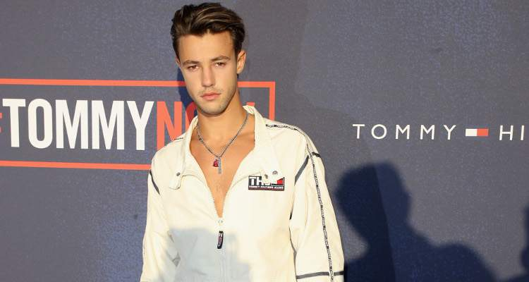 Cameron dallas dating status
