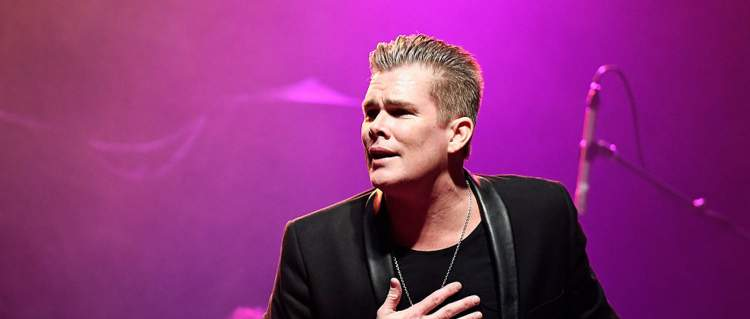 mark mcgrath singer1