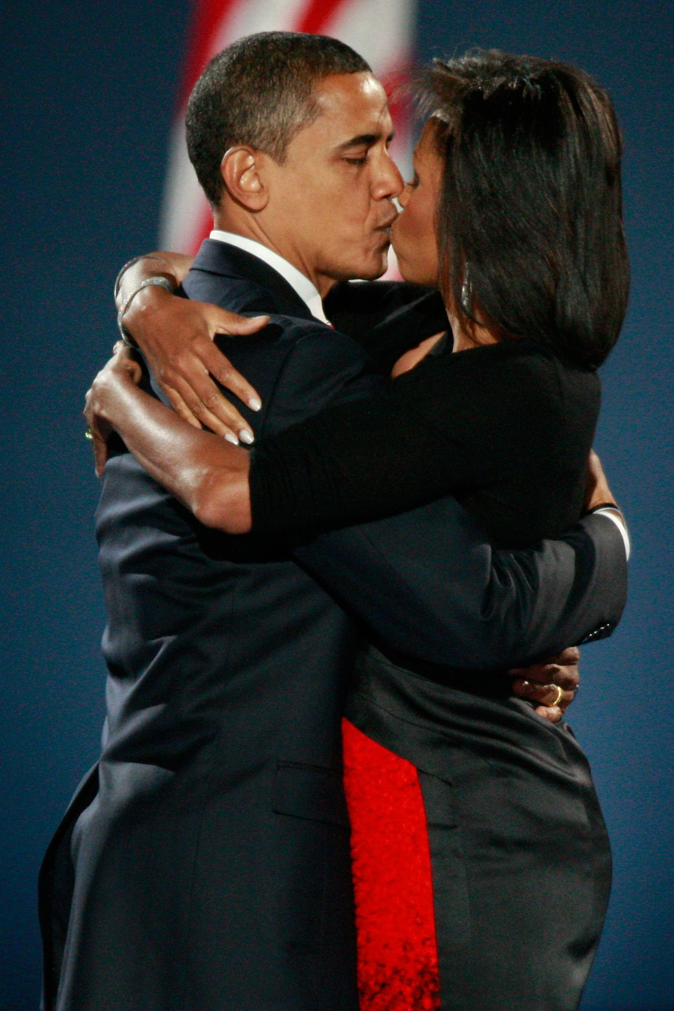 http://web.archive.org/web/20110619215218/http:/christwire.org/2011/05/barack-obama-and-david-cameron-kissing-with-tongues/