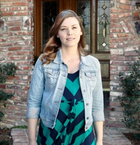 Kaitlyn Black as Jennifer in 'Killer SIngle Dad'