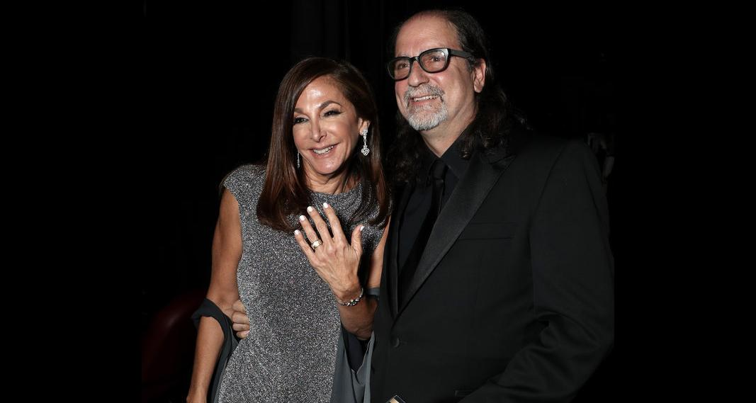 Emmy victor Glenn Weiss proposes to girlfriend Jan Svendsen on stage