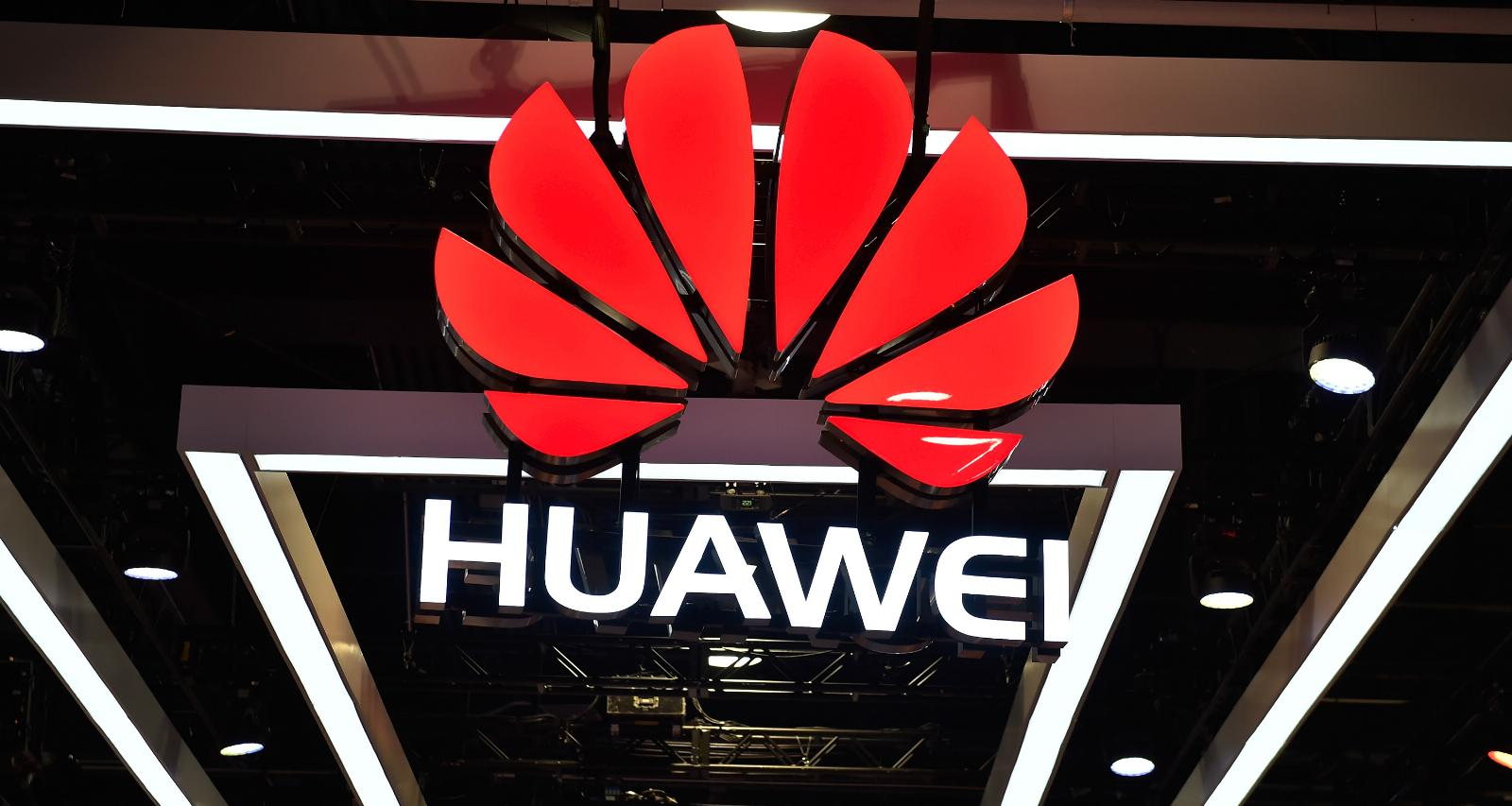 White House, Trudeau seek to distance themselves from Huawei arrest