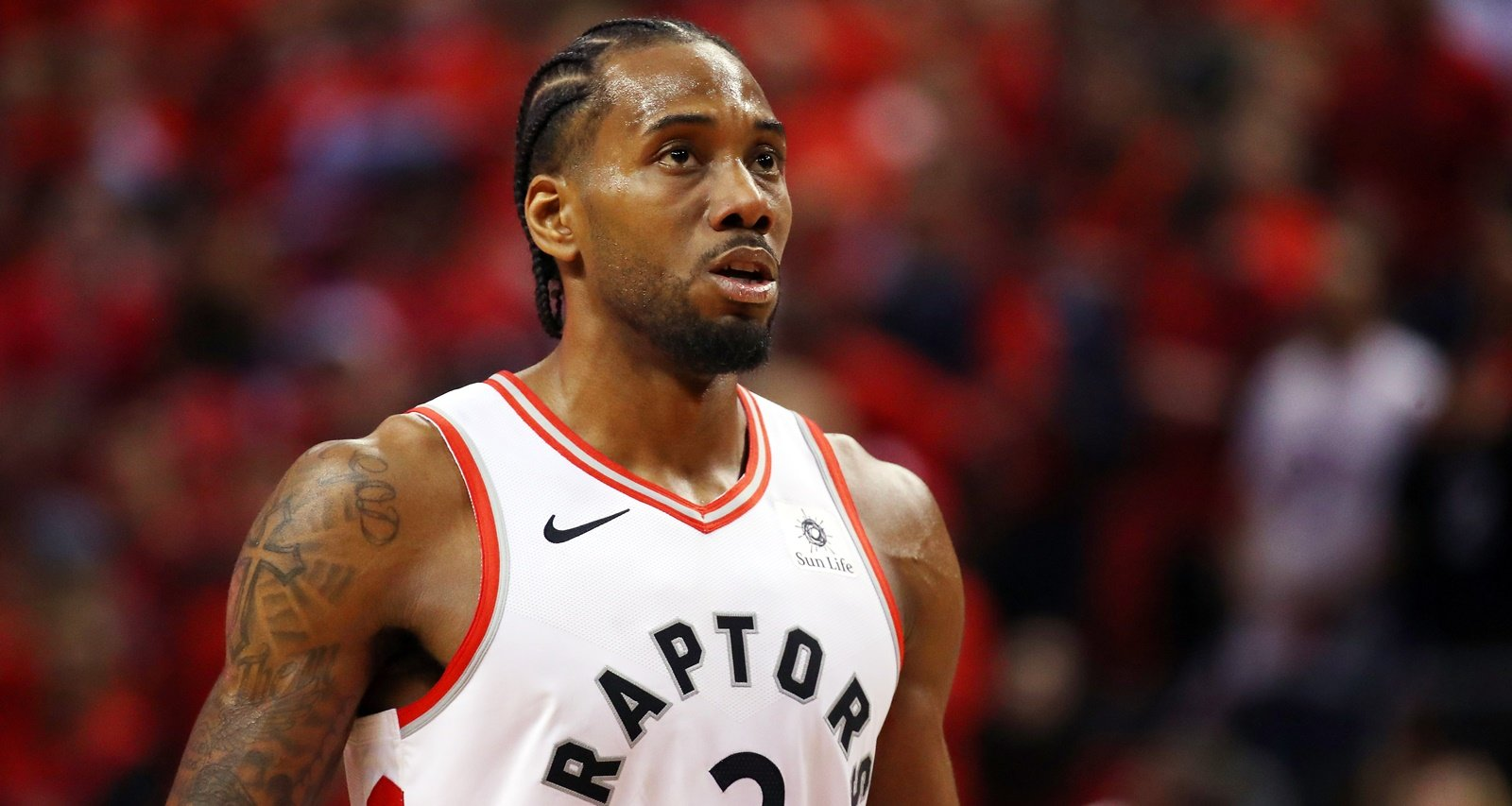 FACT CHECK: Did Kawhi Leonard Really Buy a House In Toronto? Has He Signed a Long Term Deal With The Raptors?