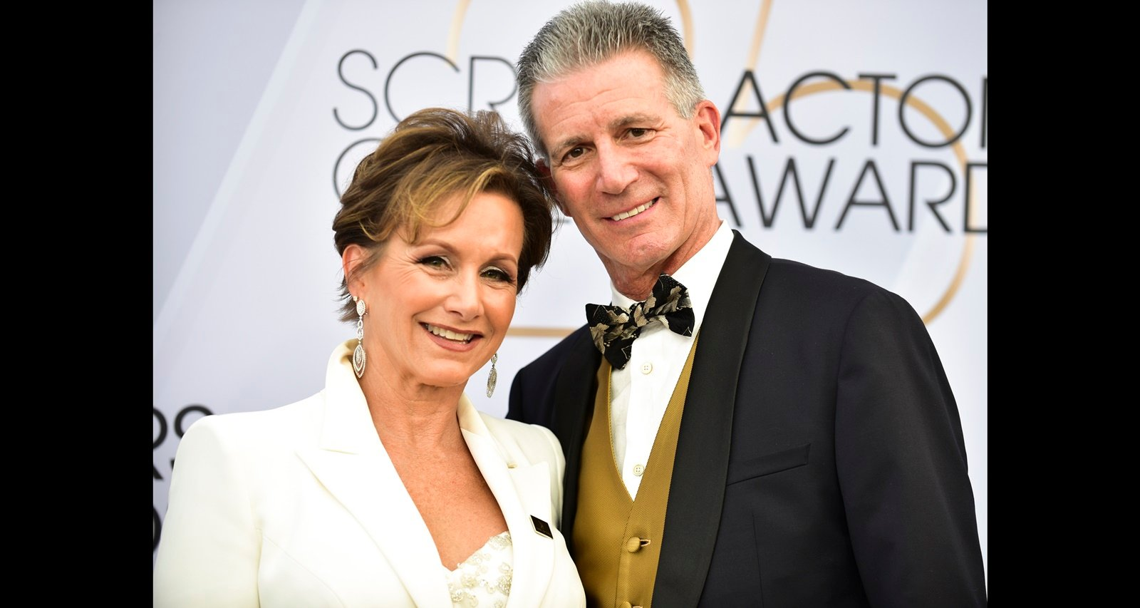 Who Is Gabrielle Carteris Married To? Charles Isaacs Wiki, Age, Facts About The Stockbroker