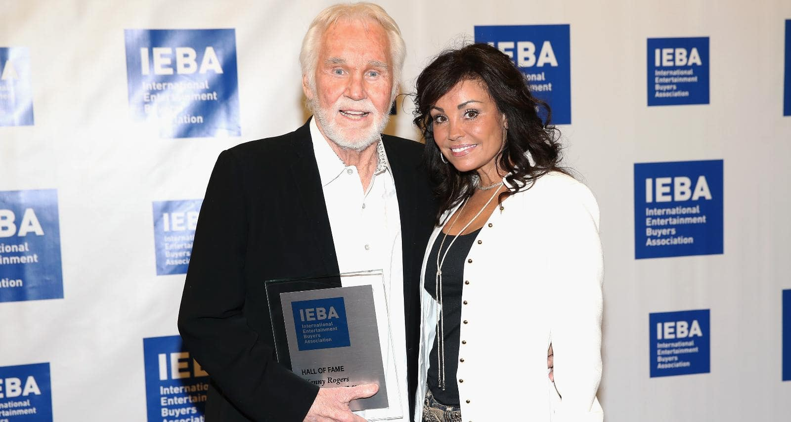 Kenny Rogers' Wife, Wanda Miller Wiki, Family, and Other ...